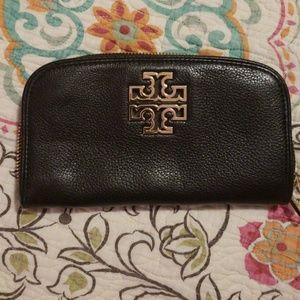 Tory Burch zip wallet